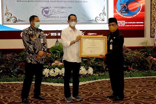 Batam Terima Penghargaan Kota Peduli HAM