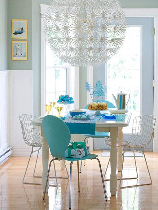 Decoraxpoco tendencia sillas diferentes para el comedor for Tapiz para sillas comedor
