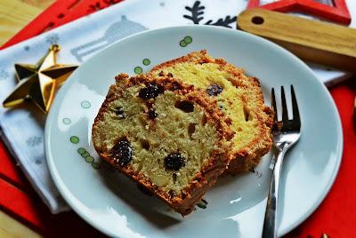 Ciasto z żurawiną, nerkowcami i migdałową kruszonką