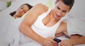Apa Yang Menyebabkan Selingkuh Bikin Ketagihan ?