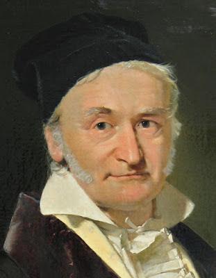 O matemático Johann Friederich Carl Gauss propôs um método para determinar as datas de Páscoa, cujas regras foram definidas no Concílio de Nicéia (325 d.C.).