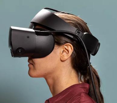 يقوم Facebook بإيقاف Oculus Rift S.