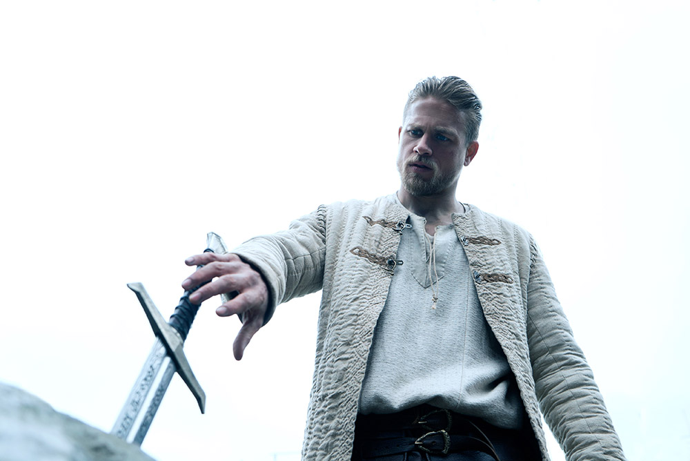 movie review, King Arthur - Legend of the Sword, King Arthur, Legend of the Sword, Rawlins GLAM, byrawlins, Charlie Hunnam, Djimon Hounsou, Jude Law, Eric Bana, Guy Ritchie,