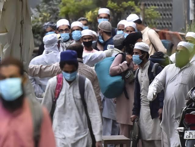 Delhi Markaz कोरोनाचा उद्रेक! निजामुद्दीनमध्ये एकाच ठिकाणी 200-300 लोकं कोरोना संशयित, 6 जणांचा मृत्यू