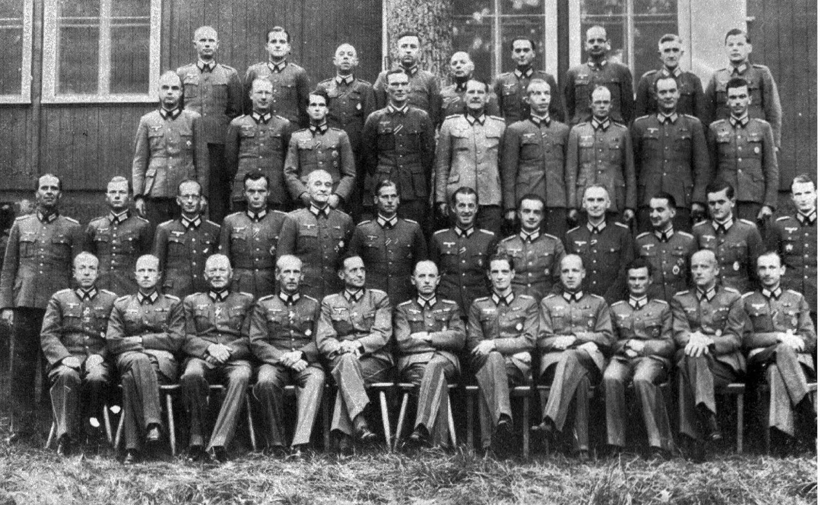 NAZI JERMAN: Fremde Heere Ost, Organisasi Intelijen Khusus ...