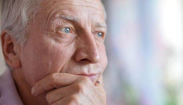 Мне 58, случайно завёл роман и кажется всё серьёзно, думаю разводиться, но чувствую родственники не поймут