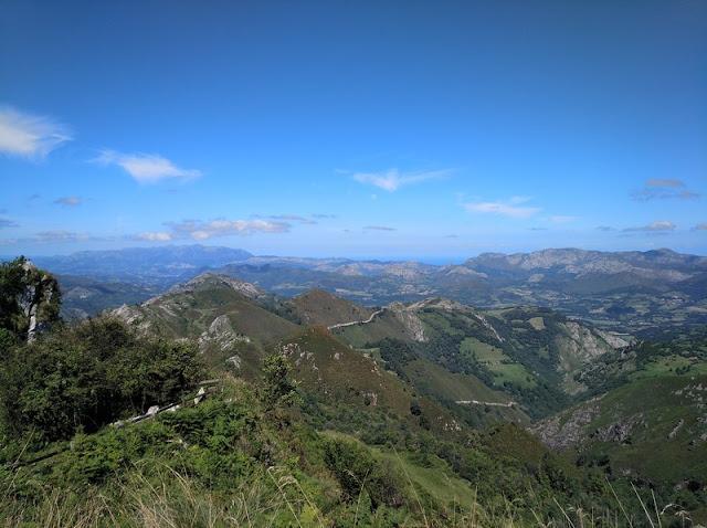 Vista del Norte de Asturias desde el Mirador de la Reina