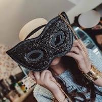 https://fr.rosegal.com/sacs-bandouliere/masque-chaines-de-forme-sequin-1103836.html?lkid=12023819