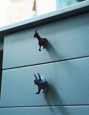 Dinosaurios que sirven como manija para cajones.