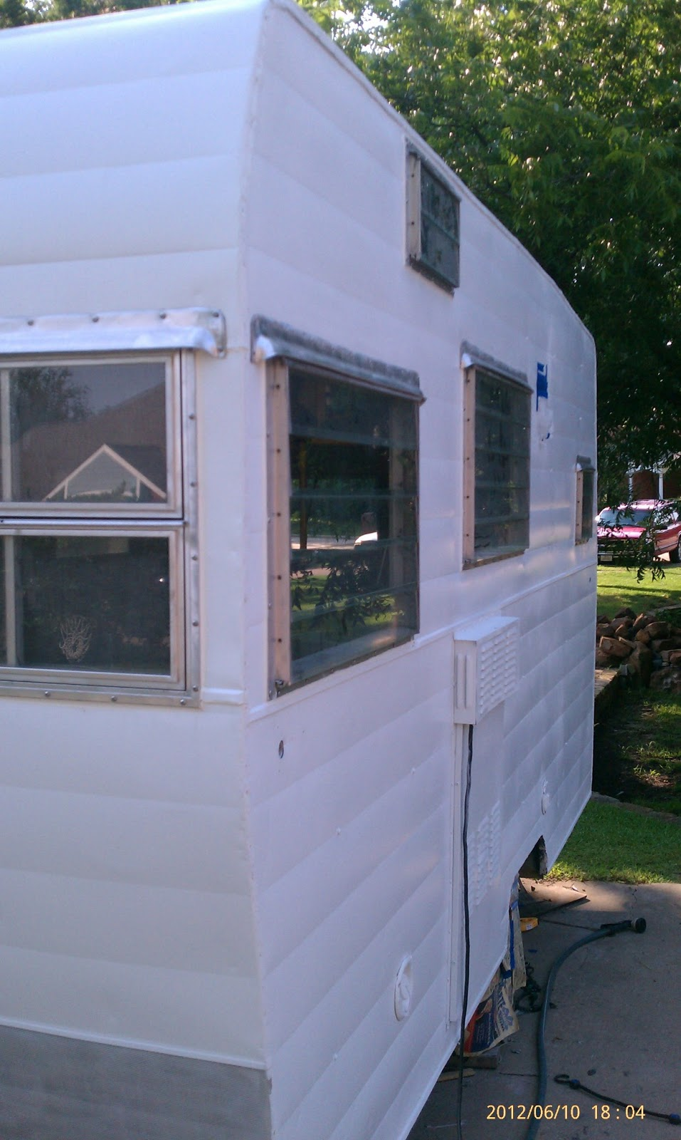 1964 Shasta 16 Sc Trailer Project New Paint And Roof Coating