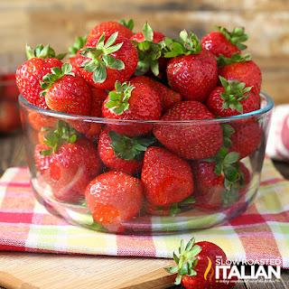 Kitchen Hack: Hulling Strawberries