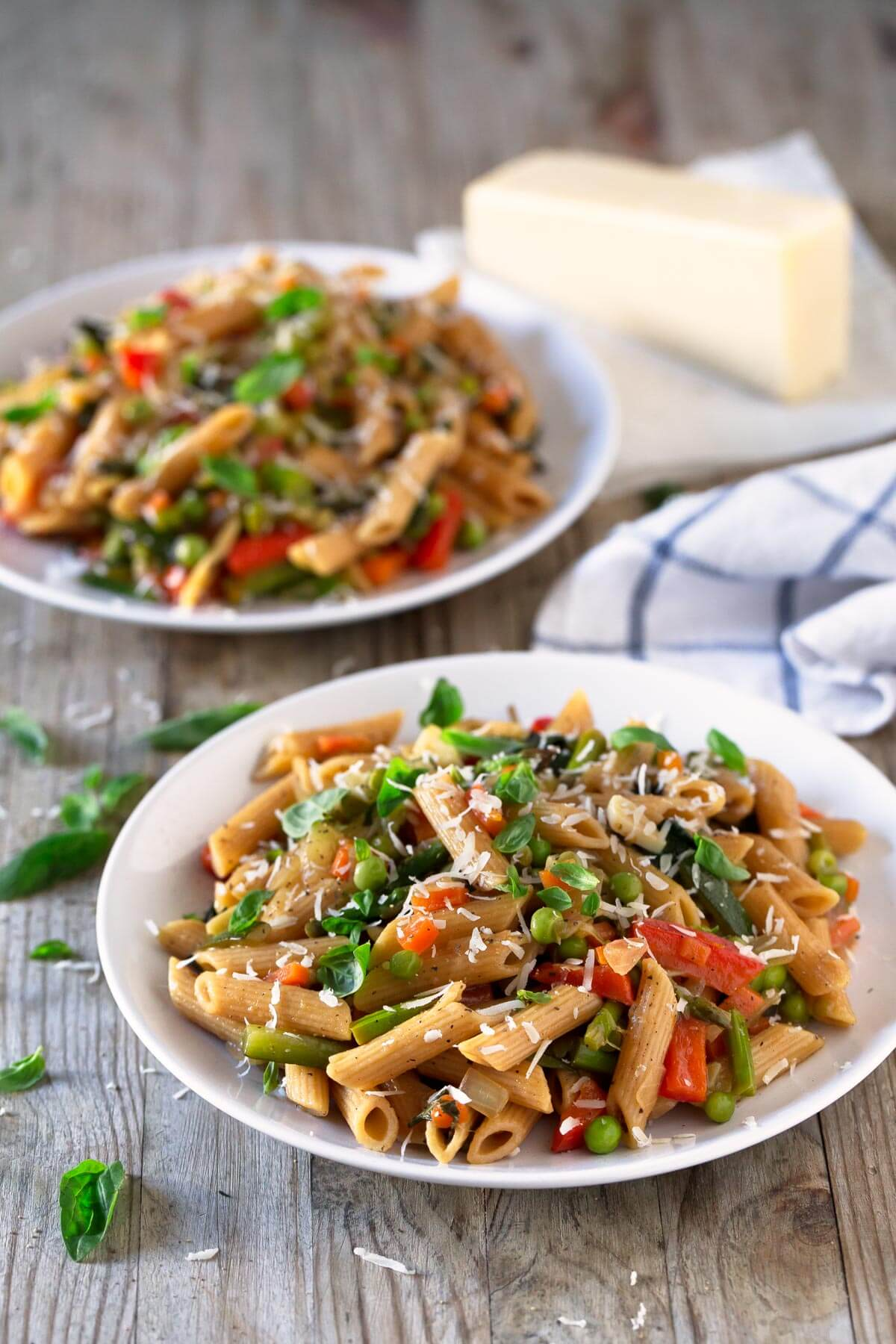 Pasta Primavera.- This pasta recipe is perfect for taking advantage of the vegetables that are in season in spring, although it can be adapted to any other time of the year.