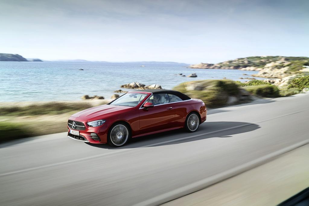 Mercedes-Benz E-Class Cabriolet 2021 ra mắt với nhiều công nghệ mới