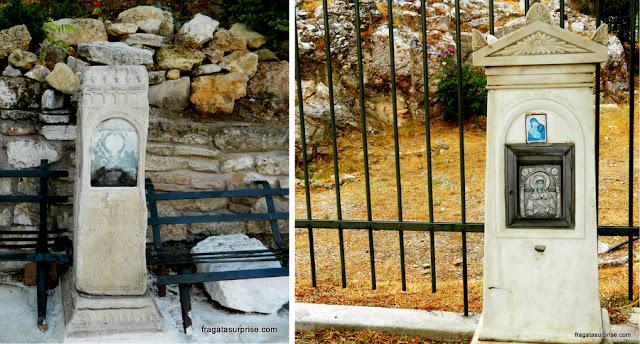 Marcos e capelas típicos das esquinas gregas