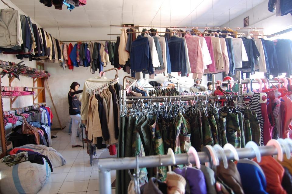 Cari Penjual Baju Wanita Seken daerah Bintan