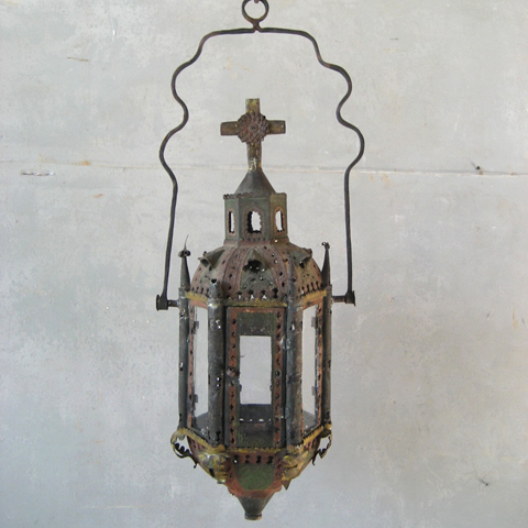 18th Century Italian Processional Lantern via Chateau Domingue as seen on linenandlavender.net - http://www.linenandlavender.net/p/blog-page_9.html