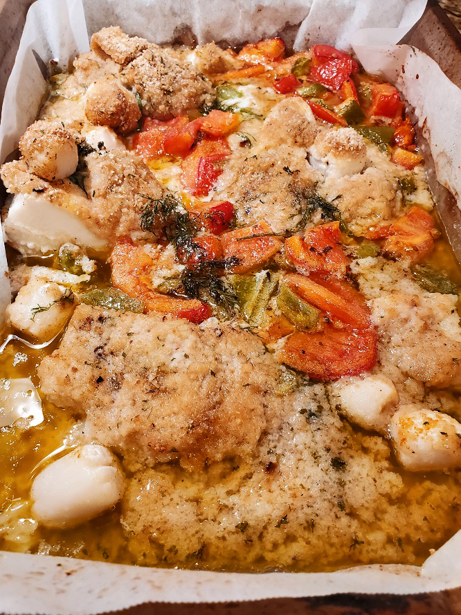 this is a one pan haddock with a lemon butter sauce and scallops with crunchy breadcrumbs on top