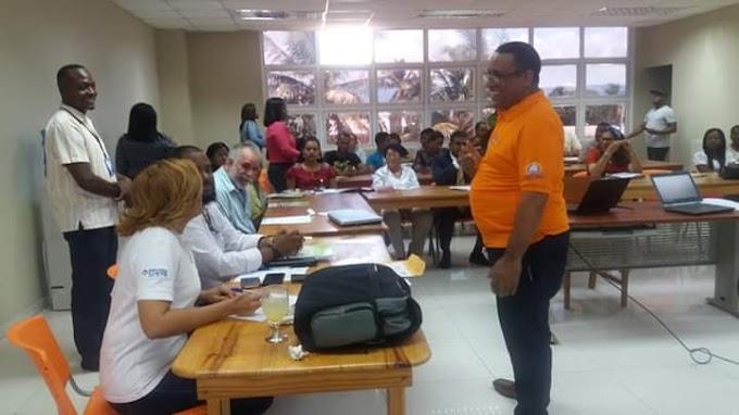 Barahona: El programa Progresando con Solidaridad (Prosoli presenta informes  de hallazgos de sociales  que afectan a las familias