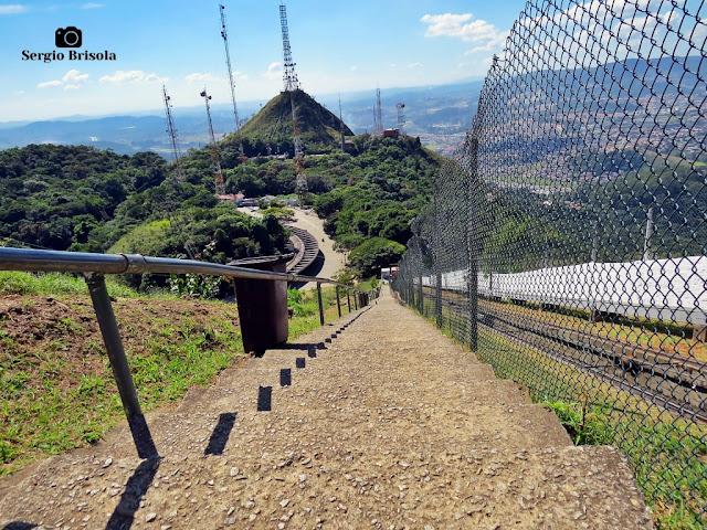 Vista em perspectiva da Escadaria do Pico do Jaraguá - Bairro Jaraguá - São Paulo