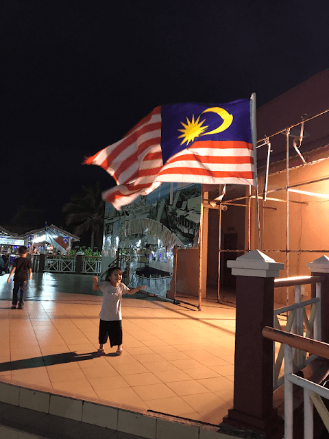 Tempat Makan Seafood Best Di Melaka