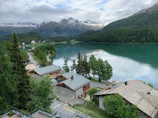 Vista panorâmica do lago de Saint Moritz