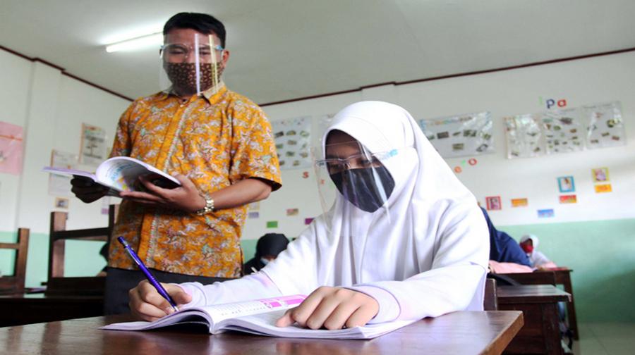 Kemendikbud Rencanakan Tunjangan Profesi Hanya untuk Guru Berprestasi