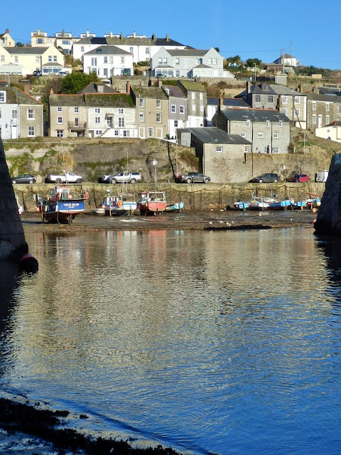 Mevagissey harbour houses