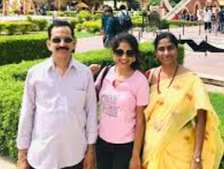 Satya Yamini Singer Family Husband Biography Parents children's Marriage Photos
