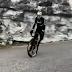 Vídeo del manejo de la bici de carretera de Tom Pidcock