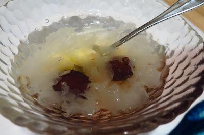 Putien, lotus seed white fungus soup
