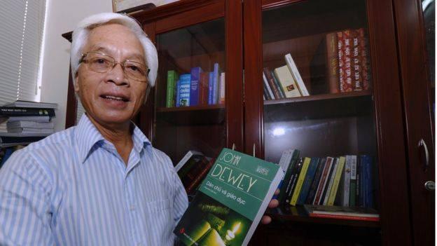 Vụ GS Chu Hảo bị kỷ luật khiến khiến sách về dân chủ 'cháy hàng'?