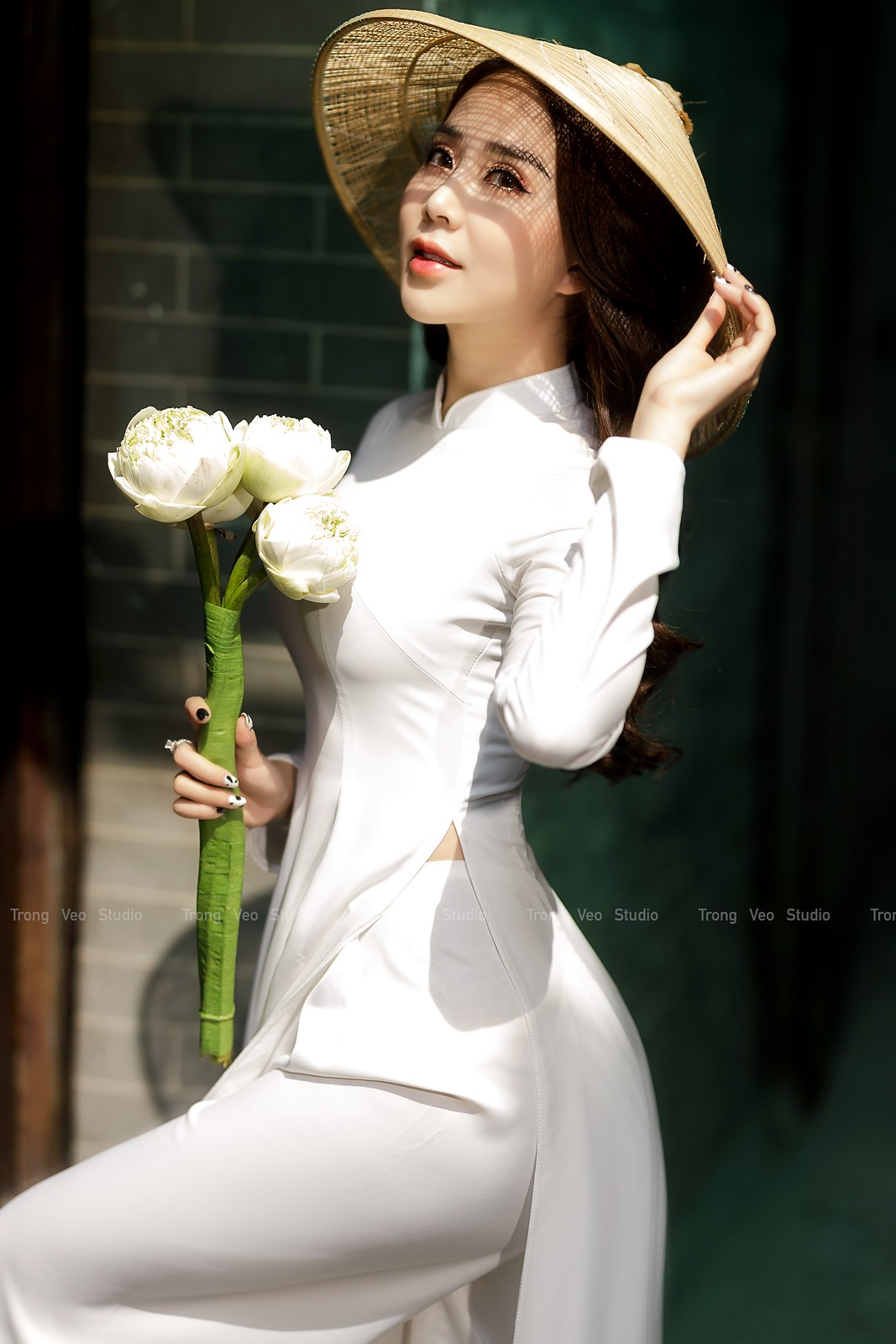 Ngắm hot girl Lục Anh xinh đẹp như hoa không sao tả xiết trong tà áo dài truyền thống - 6