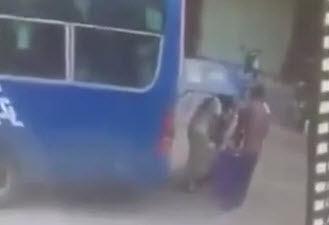 Prensado contra un Autobus
