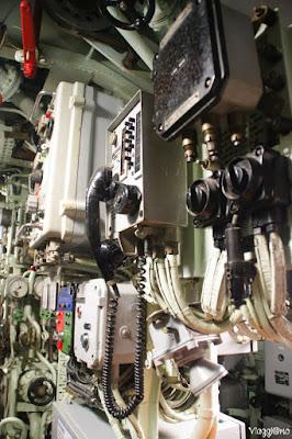 Una delle zone comunicazioni del Sottomarino Flora di Lorient