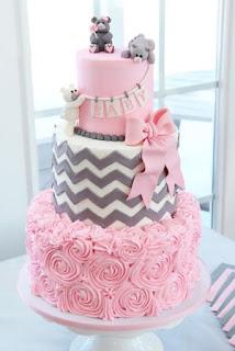 Wunderschöne Babyparty-Kuchen