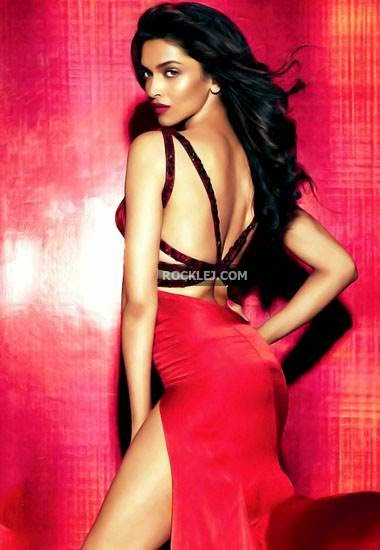Deepika Padukone Nangi Sexy Photo