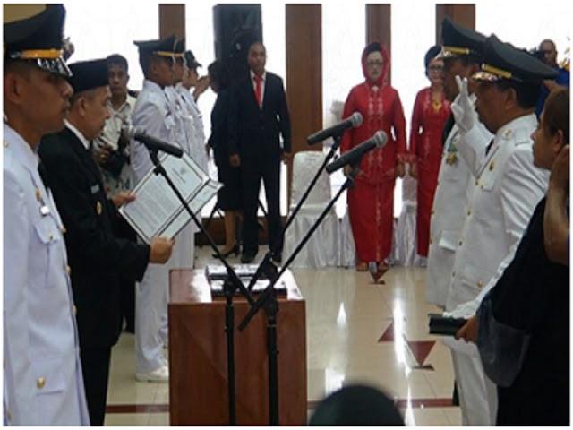 Said Assagaf Lantik Abua Tuasikal dan Marlatu Leleury Sebagai Pemimpin Kabupaten Maluku Tengah