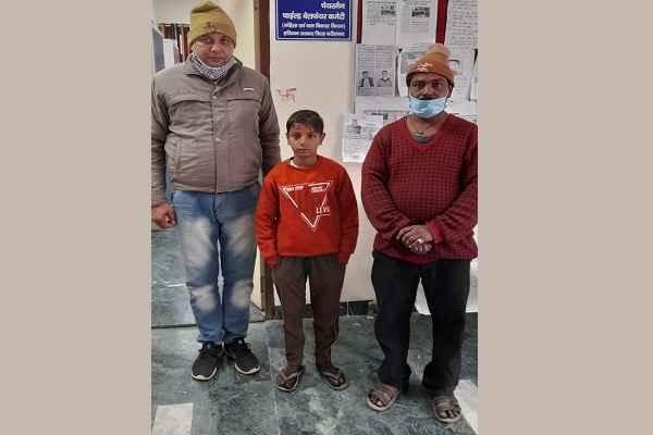 faridabad-sector-30-missing-handover-missing-kid-family