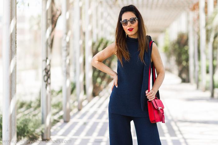 Influencer blogger valencia con look comodo estiloso idea como combinar pantalones culottes con top 3D