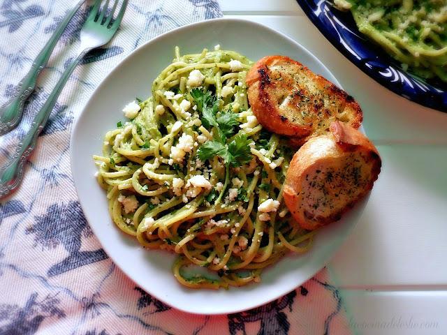 Mexican Spaghetti w/ Creamy Poblano Sauce - lacocinadeleslie.com