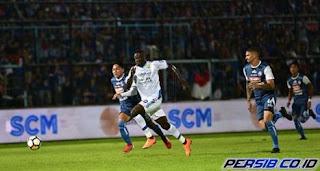 Arema FC vs Persib Bandung 2-2