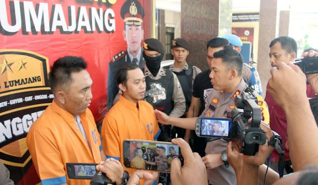 Kapolres Lumajang  saat press release