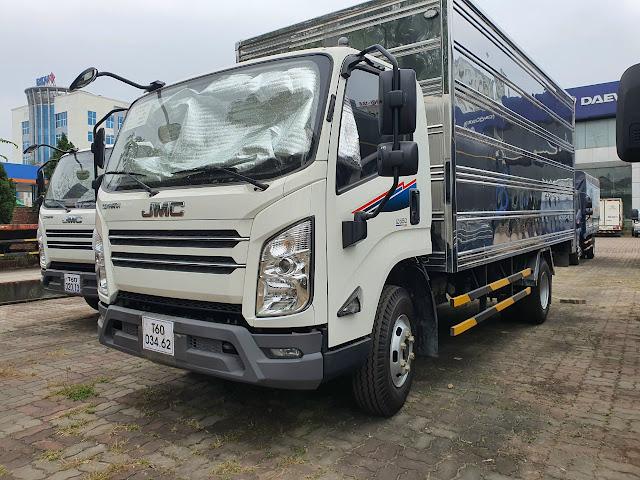 Giá xe tải Đô Thành IZ650 thùng kín