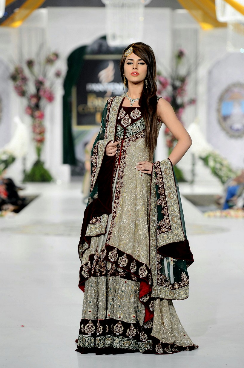 Pakistani Bridal Dresses Rani Emaan Bridal Dresses In Bridal Couture Week 360 She9 Change The Life Style