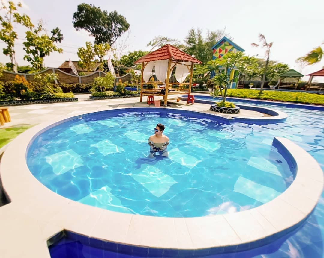 Taman Wisata Kolam Renang Banyu Redjo Park
