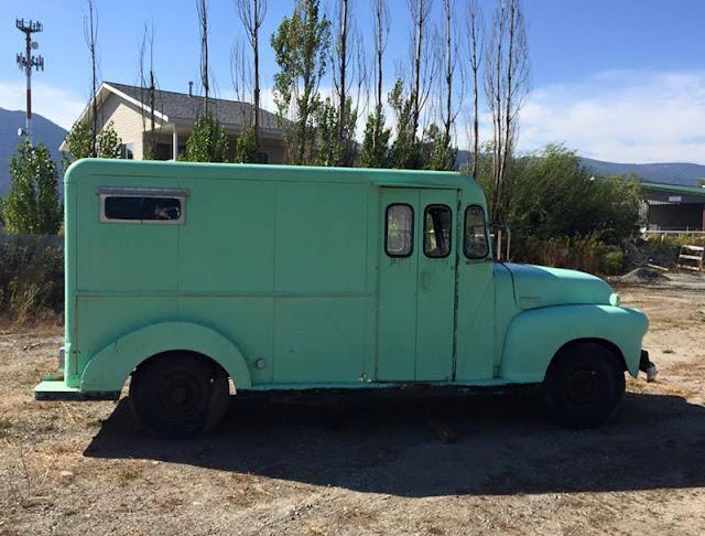 247 AUTOHOLIC: Bump In Bus Post - 1949 Chevy StepVan