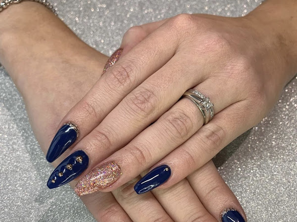 New Nails | Navy & Rose Gold