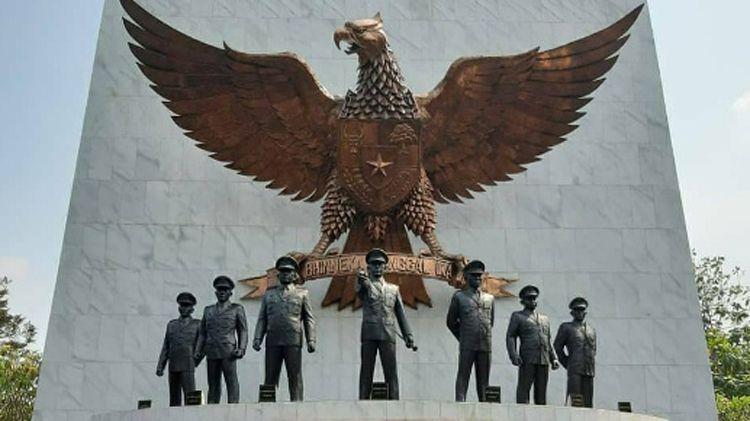 Ikut Soroti Hilangnya Diorama Penumpasan G30S PKI di Museum Kostrad, Rocky Gerung: Bangsa Ini Punya Sejarah Kelam!