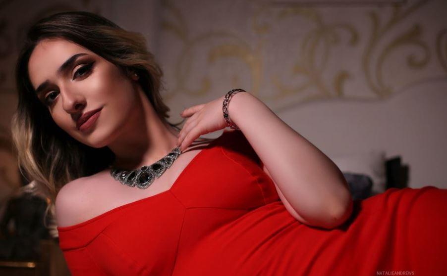 https://www.glamourcams.live/chat/NatalieAndrews