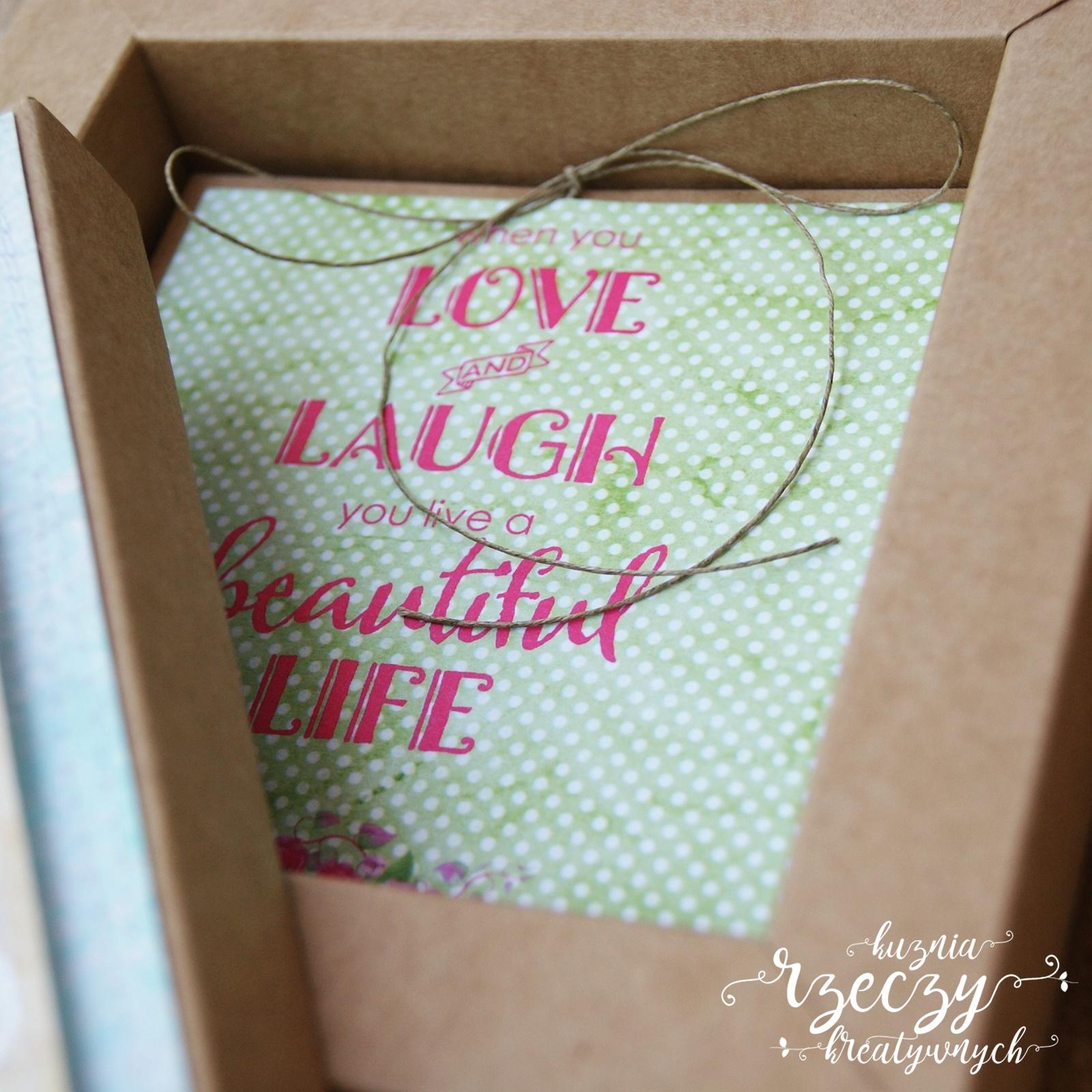Pudełko na prezent ślubny.